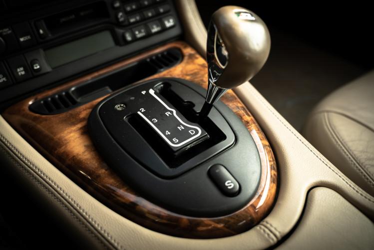 2002 Jaguar 4.2 XKR Coupé 38