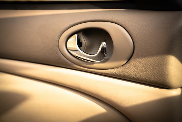 2002 Jaguar 4.2 XKR Coupé 43