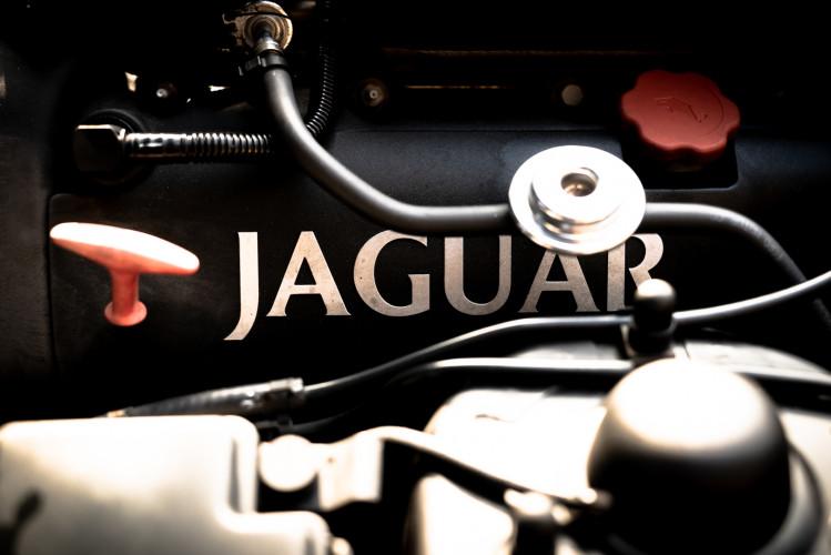 2002 Jaguar 4.2 XKR Coupé 48