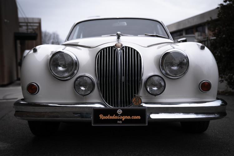 1962 JAGUAR MK2 3.8 19