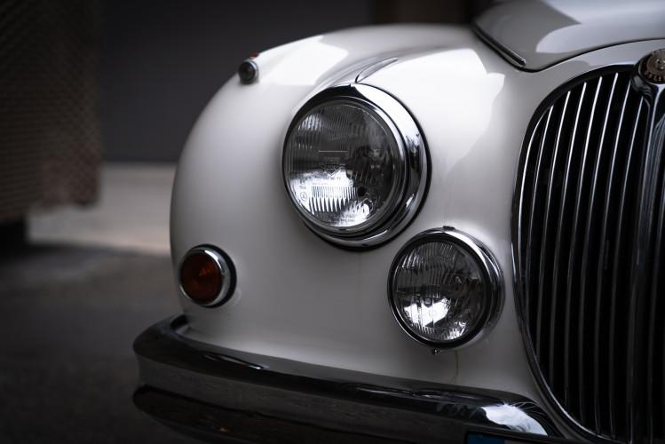 1962 JAGUAR MK2 3.8 21