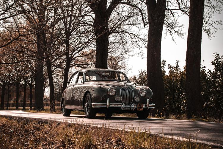 1961 Jaguar MK2 3.8 11
