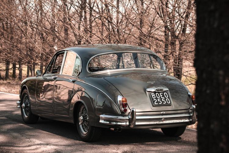 1961 Jaguar MK2 3.8 1