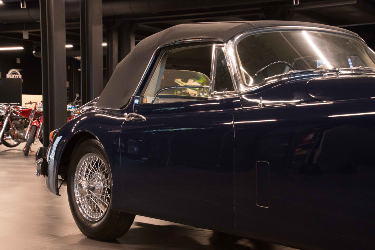 1961 Jaguar XK150 DHC 4