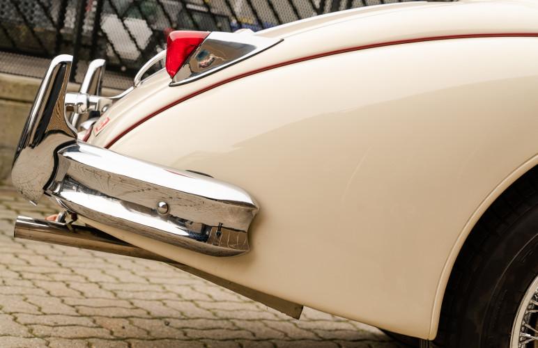 1955 Jaguar XK140 FHC SE 8