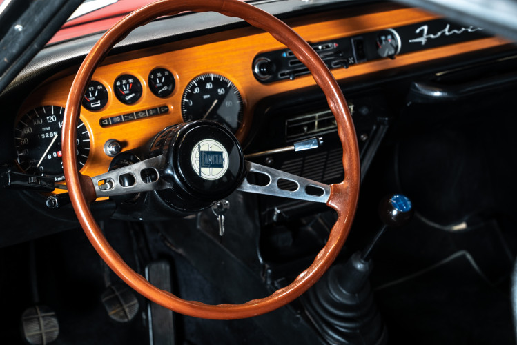 1972 Lancia fulvia sport zagato 1600 17
