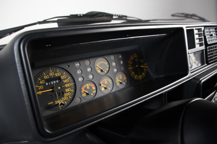 1989 Lancia Delta HF Integrale 16v 10