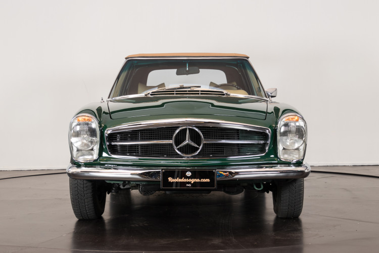 1970 Mercedes-Benz 280 SL 1
