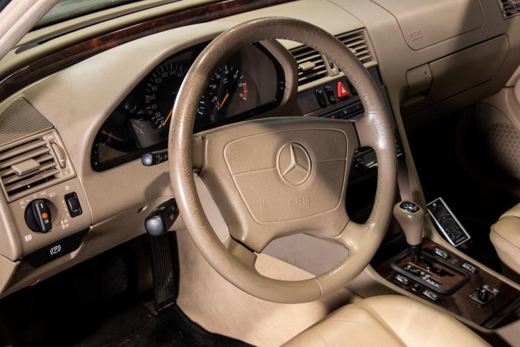 1998 Mercedes-Benz C240 SW 19