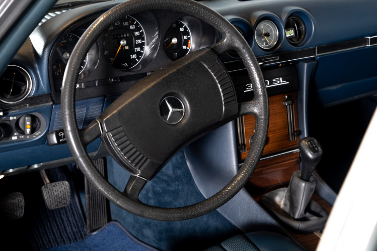 1973 Mercedes-Benz 350 SL Cabrio 16