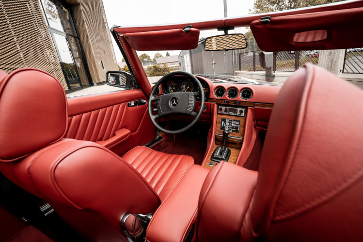 1977 Mercedes-Benz SL 450 29