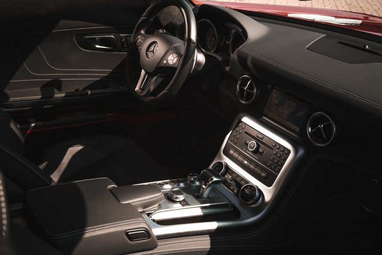 2010 Mercedes-Benz SLS AMG 32