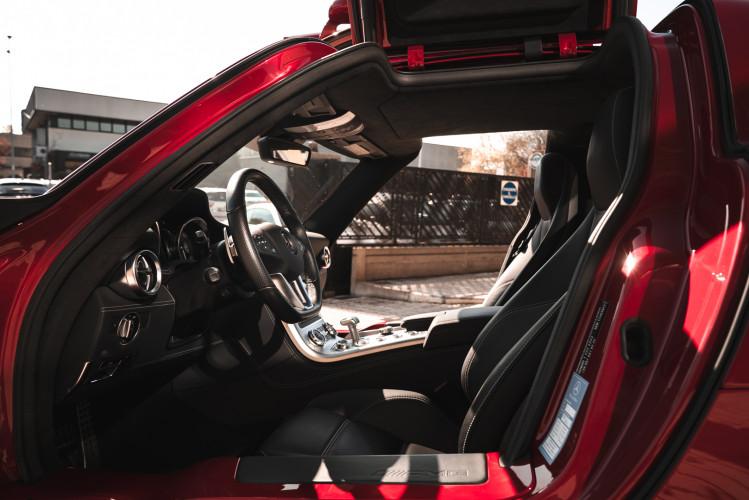 2010 Mercedes-Benz SLS AMG 17