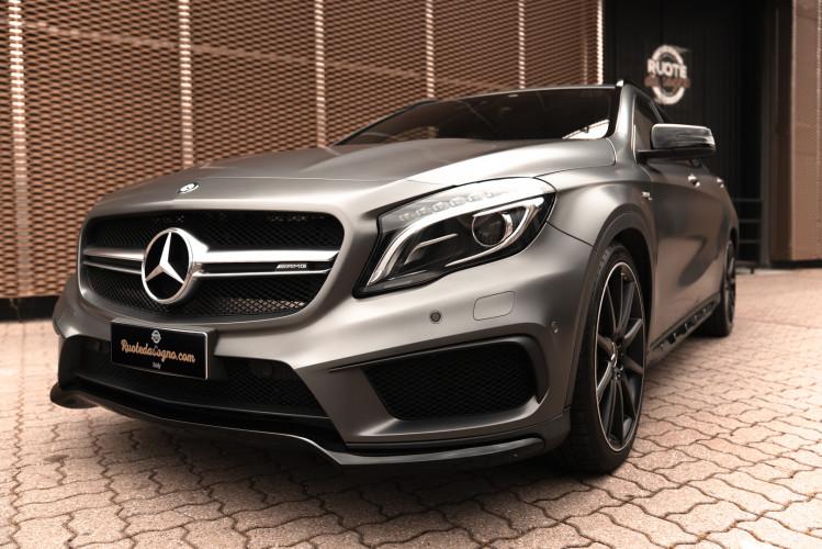2015 Mercedes-Benz GLA AMG 45 2