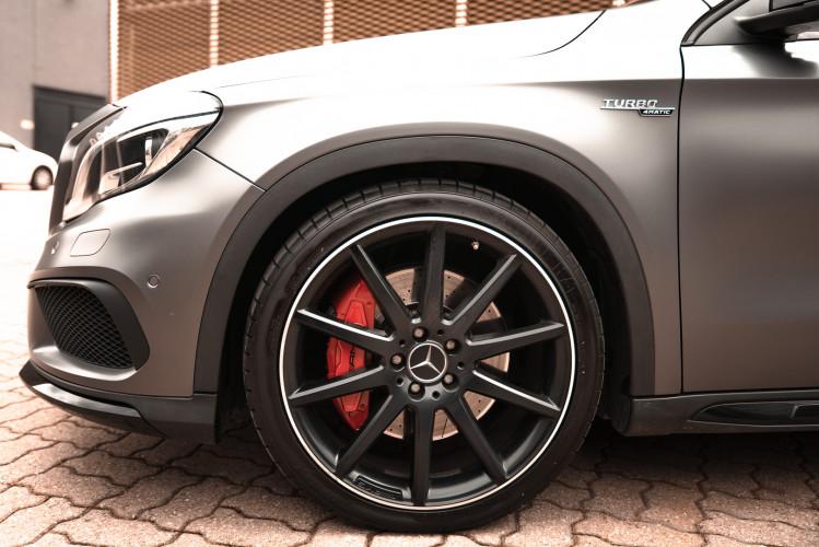 2015 Mercedes-Benz GLA AMG 45 12