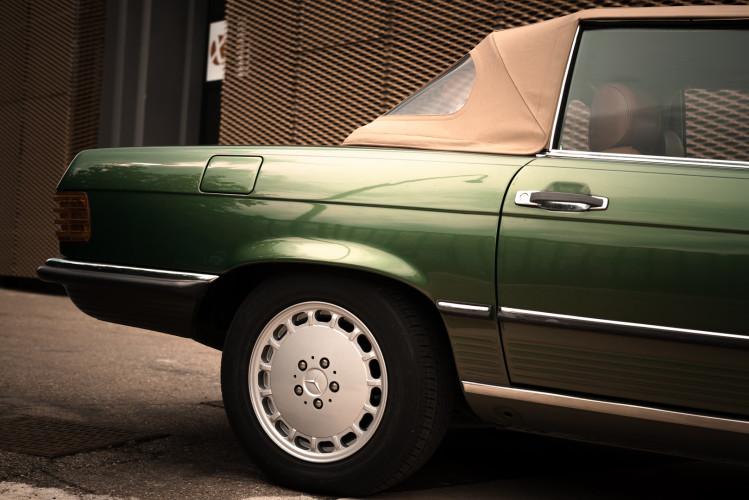 1986 Mercedes-Benz SL 300 11