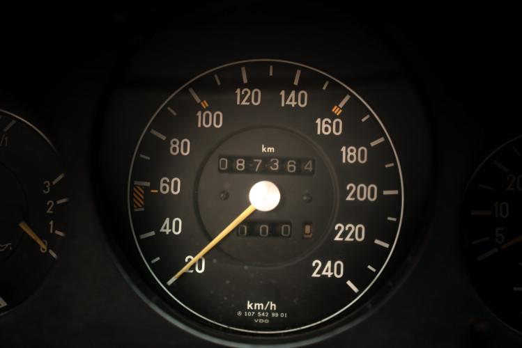 1986 Mercedes-Benz SL 300 24