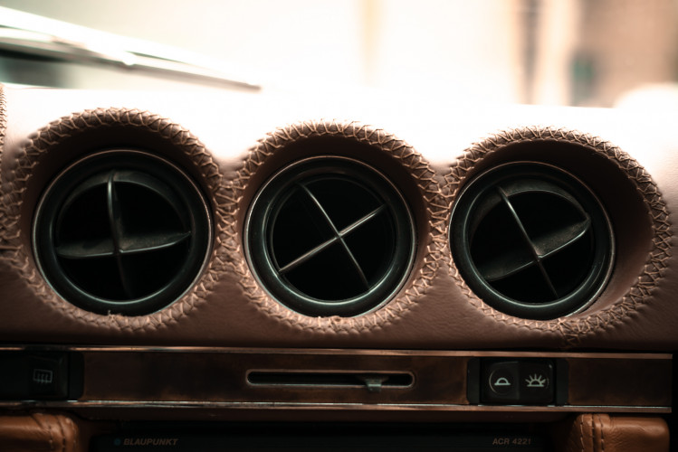 1986 Mercedes-Benz SL 300 27