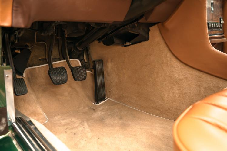 1986 Mercedes-Benz SL 300 30