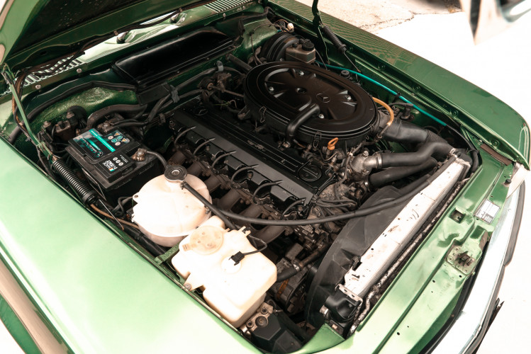 1986 Mercedes-Benz SL 300 35