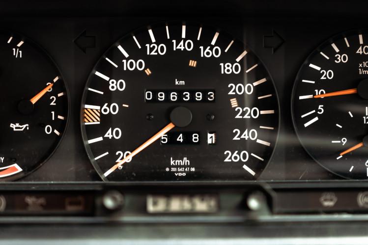 1985 Mercedes-Benz 190E 2.3-16 19
