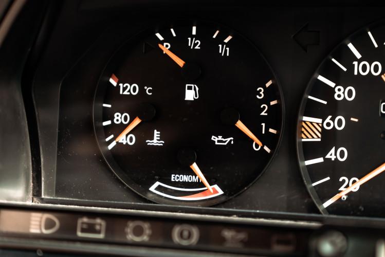 1985 Mercedes-Benz 190E 2.3-16 21