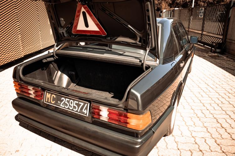 1985 Mercedes-Benz 190E 2.3-16 28