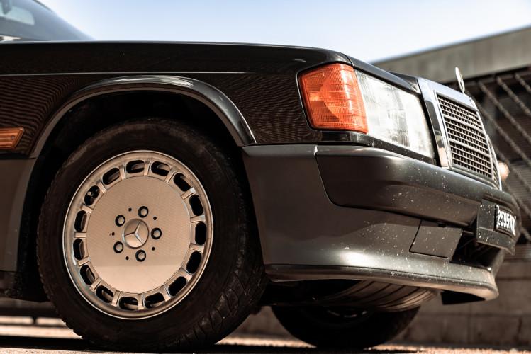 1985 Mercedes-Benz 190E 2.3-16 11