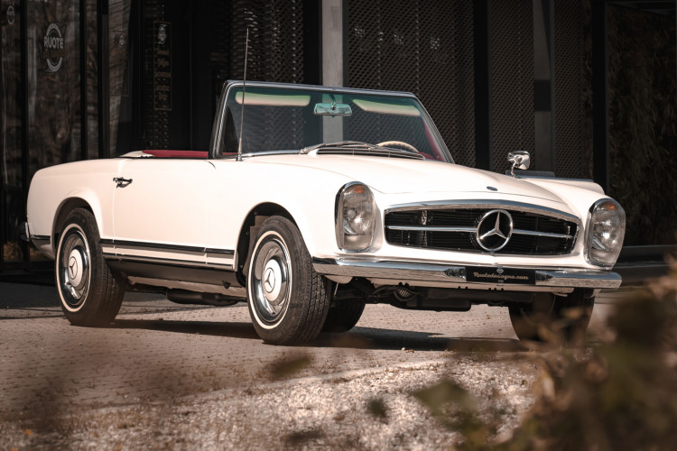 1966 Mercedes-Benz SL 230 Pagoda 39
