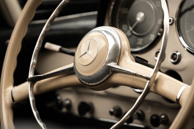1958 Mercedes-Benz 190 SL 25