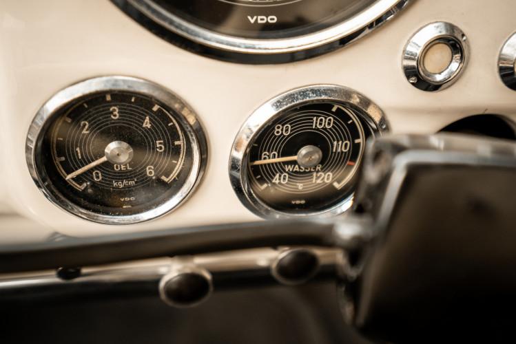 1958 Mercedes-Benz 190 SL 30