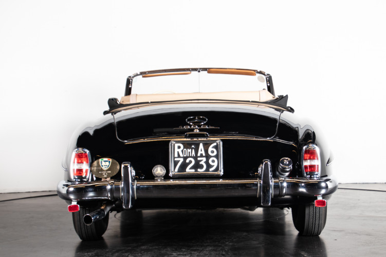 1961 Mercedes-Benz 190 SL 33