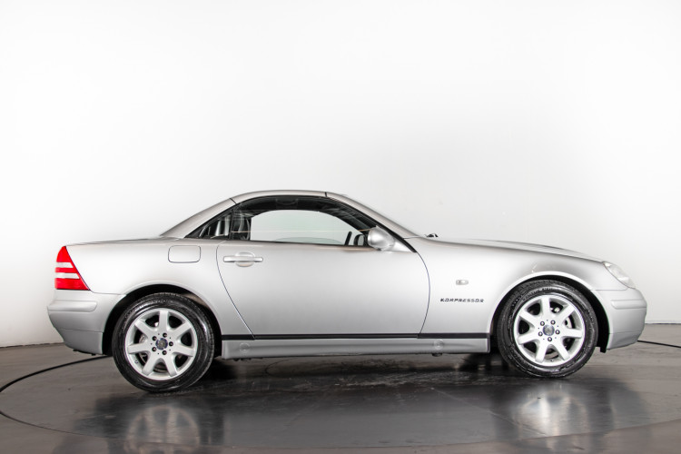 2000 Mercedes-Benz SLK 13