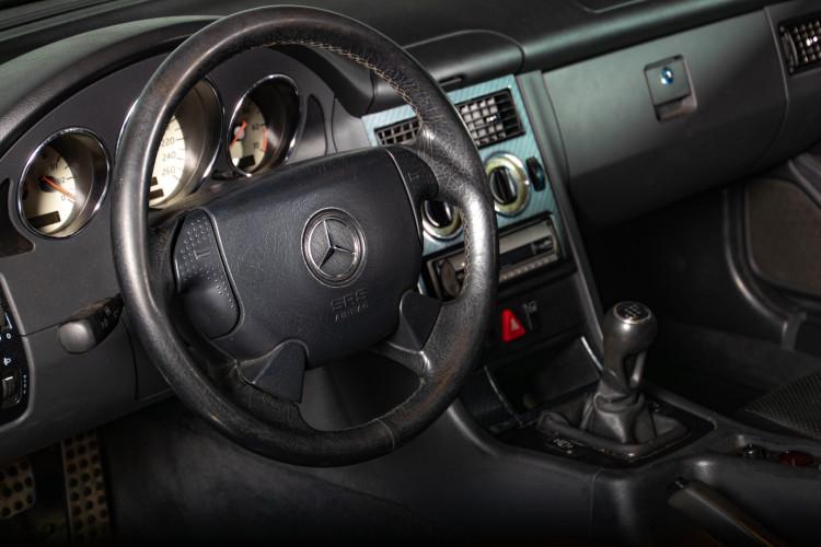 2000 Mercedes-Benz SLK 21