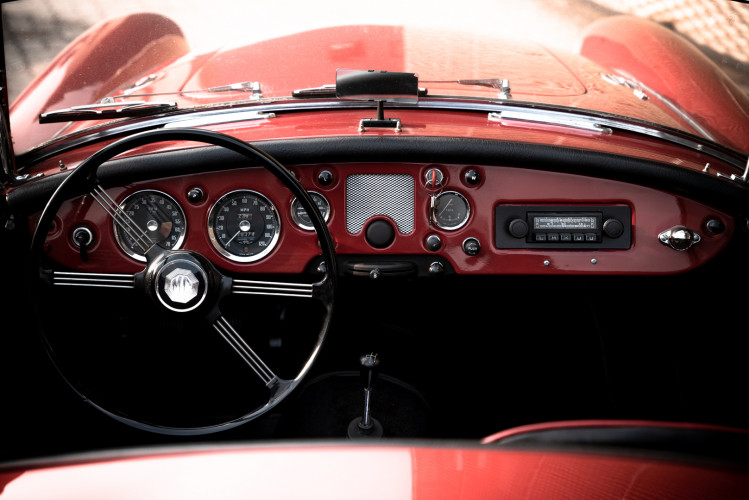 1961 MG A SPIDER 1600 23