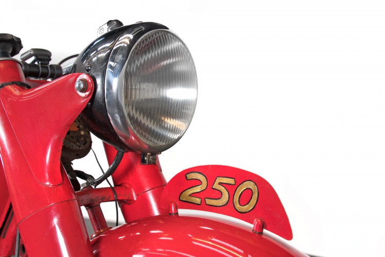 1951 MM 250 14