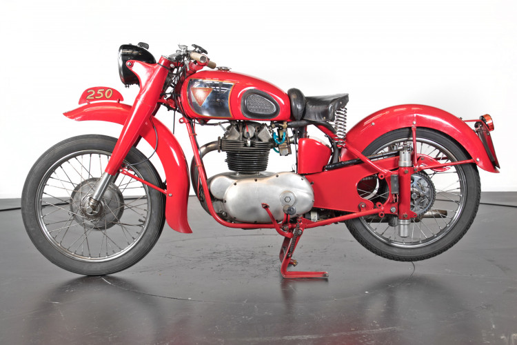 1951 MM 250 0