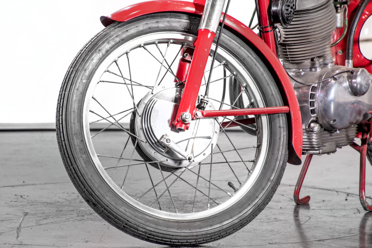 1957 Moto Morini 175 10