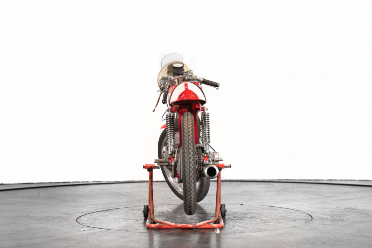 1963 Moto Morini 175 4