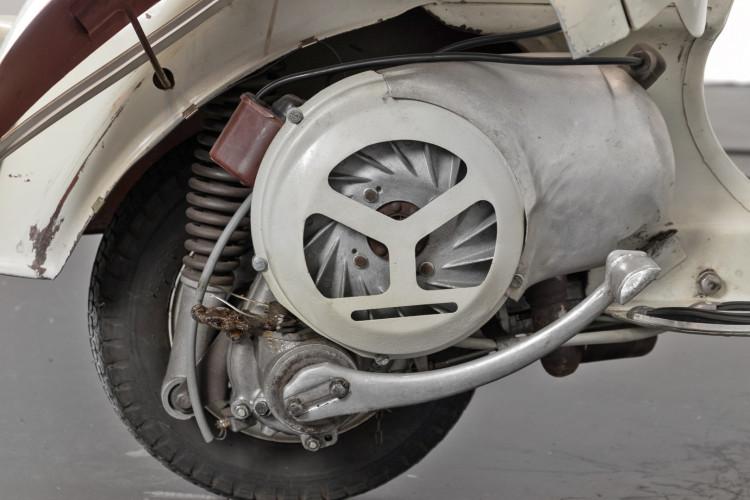 1956 Piaggio Vespa Struzzo 13