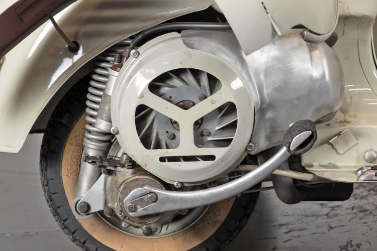 1955 Piaggio Vespa Struzzo Sidecar 14