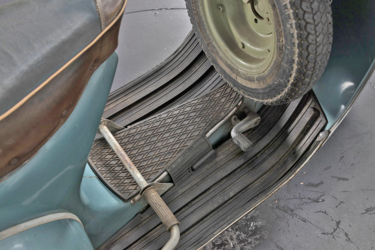 1961 Piaggio Vespa 150 vbb 6