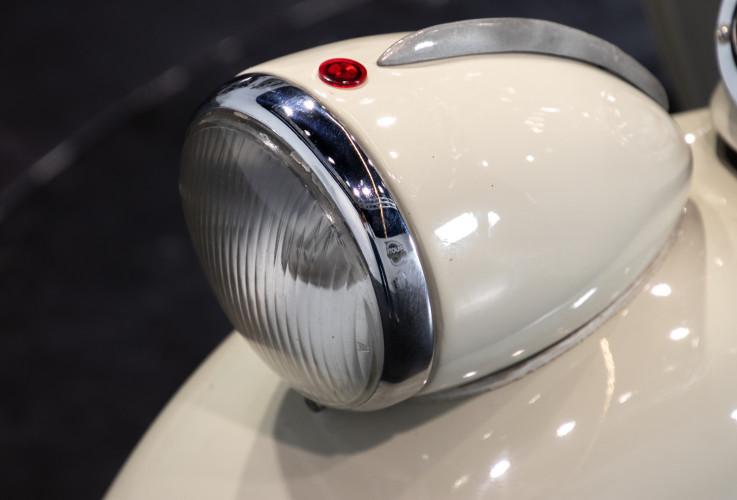 1953 Piaggio Vespa 125  13