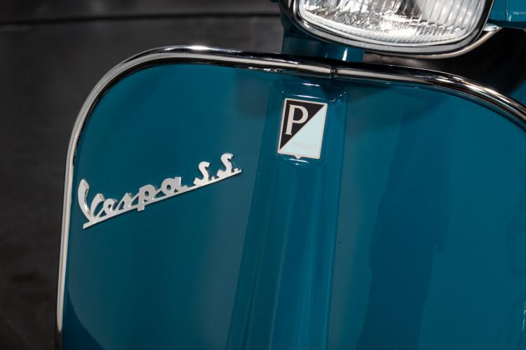 1966 Piaggio Vespa 180 SS 8