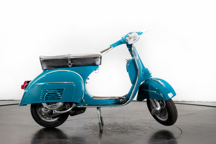 1966 Piaggio Vespa 180 SS 4