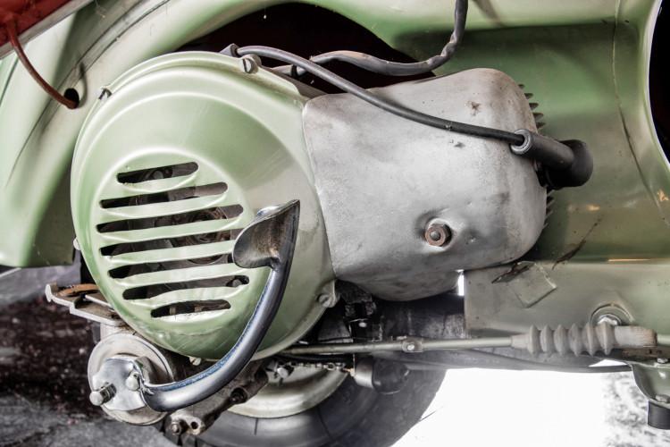 1949 Piaggio Vespa Bacchetta 25