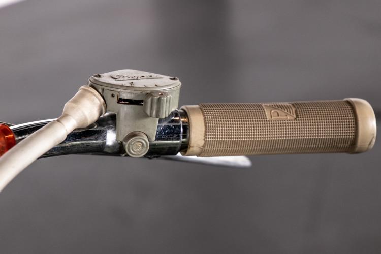 1950 Piaggio Vespa 125 V15 11