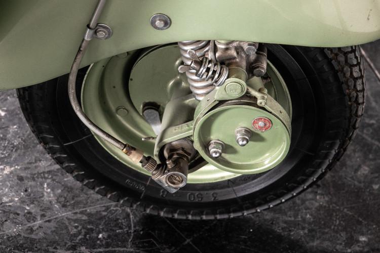 1950 Piaggio Vespa 125 V15 22