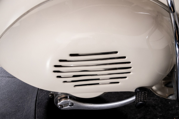 1953 Piaggio Vespa 125 VM1T 20