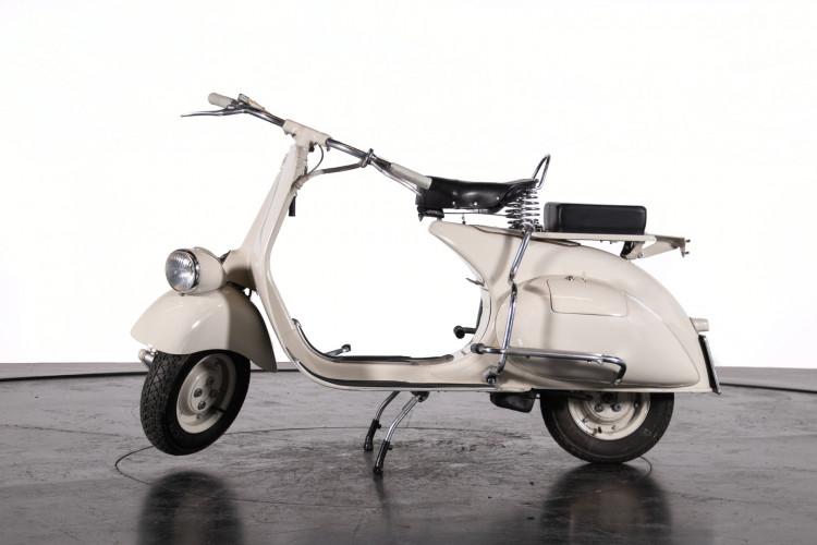 1953 Piaggio Vespa 125 VM1T 1